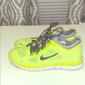 Nike 8.5 training sneakers, worn twice